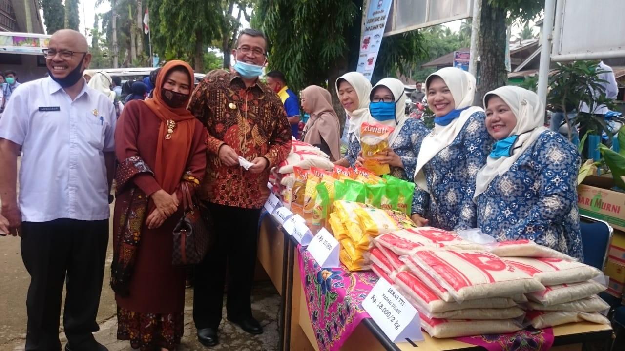 Gelar Pasar Murah di Dinas Perikanan dan Pangan Kabupaten Solok